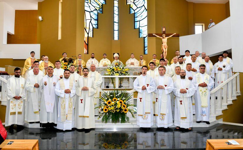 Sfințire de preot în sanctuarul diecezan Fericitul Ieremia (Onești, 24 iunie 2020)